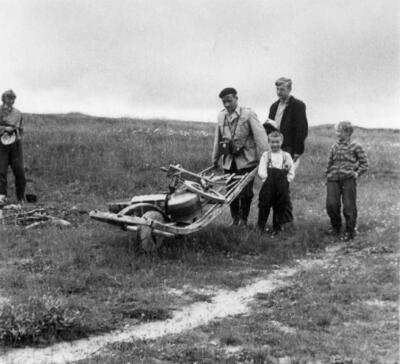 Feltarbeid 1952. Foto/Photo
