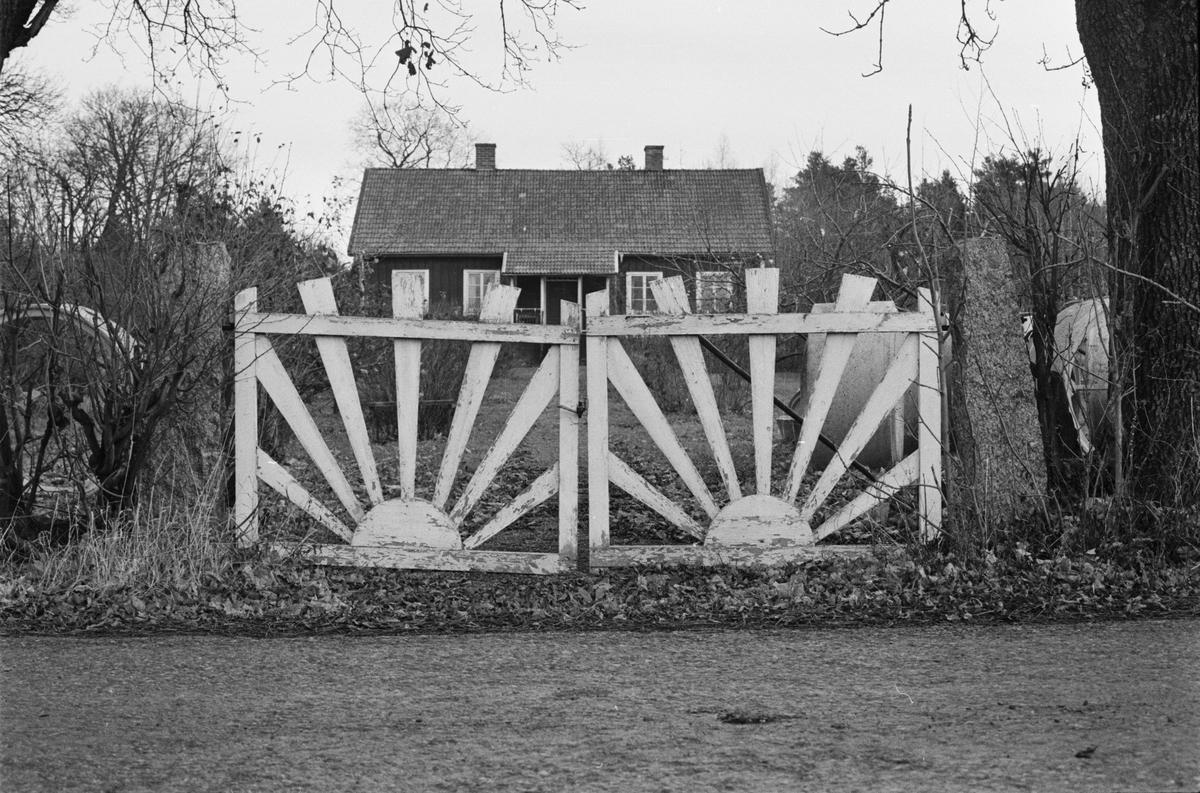 Grind vid bostadshus, Svia 3:5, Södergården, Vaksala socken, Uppland 1978