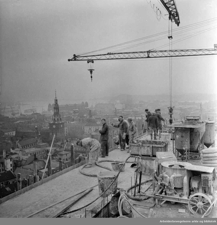 Regjeringskvartalet under bygging. Oktober 1957