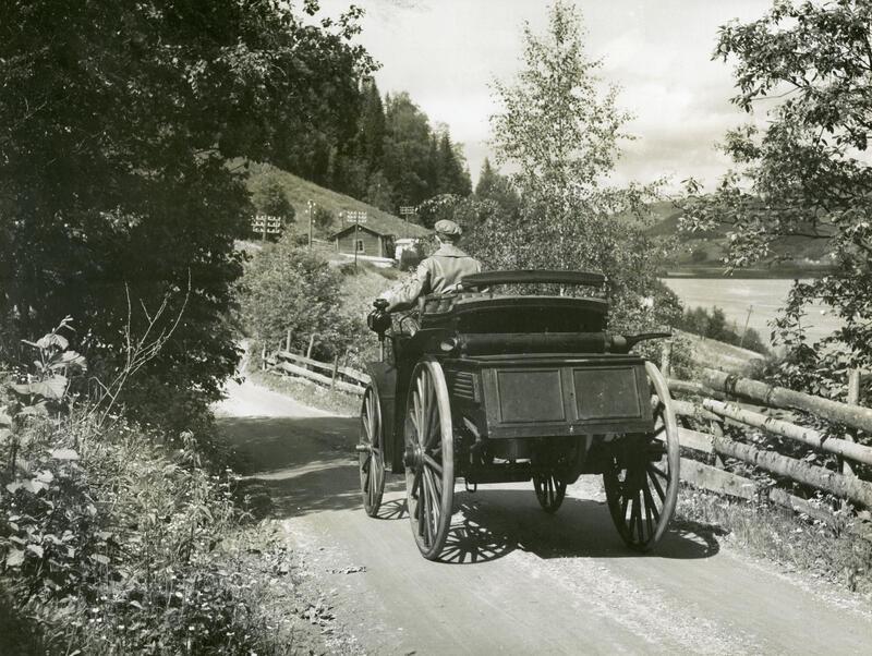 Norges første bil.  Foto: Norsk Vegmuseum. (Foto/Photo)