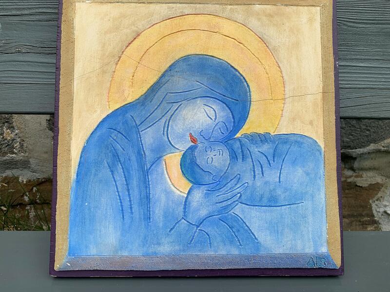 Oljemaerli som viser Maria og Jesusbarnet i blått mot en gul bakgrunn. (Foto/Photo)