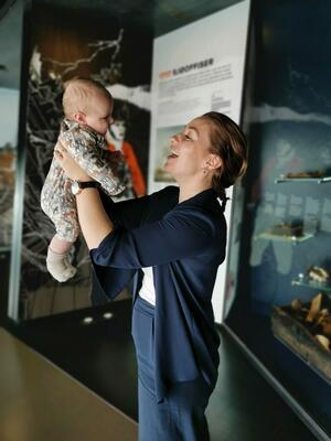 Babyomvisning.jpg. Foto/Photo