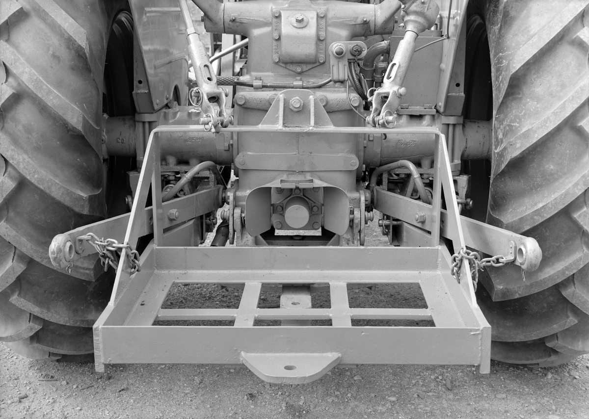 K.N. Schløsser Møller. Traktorer med påmontert lasteapparat