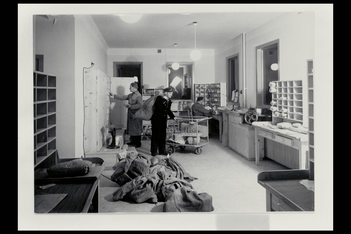 interiør, postkontor, 5400 Stord, budavdeling, postsekker, postbud, personale, sortering