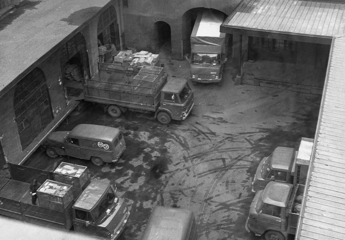 transport, bil, Oslo postgård, seks postbiler