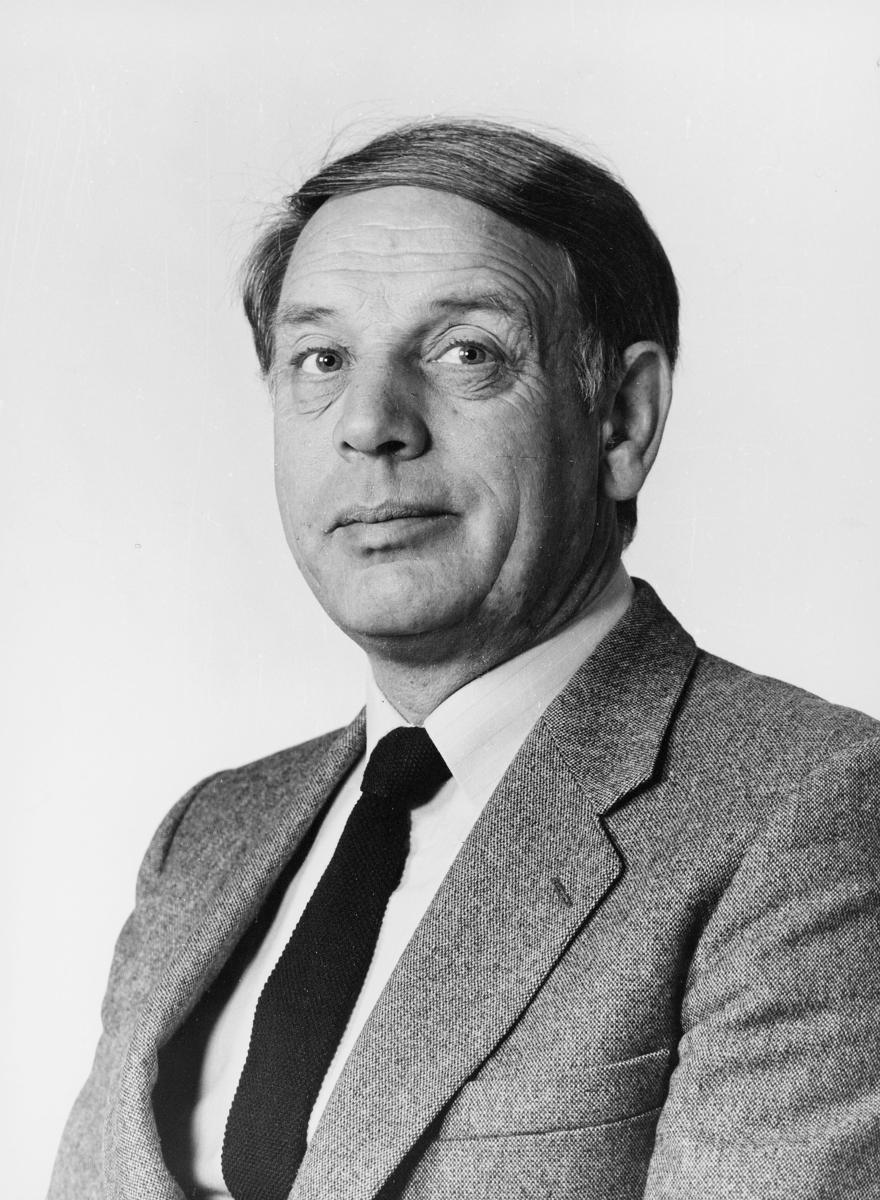 portrett, postsjef, Kjell Olav Vangen, Årnes postkontor