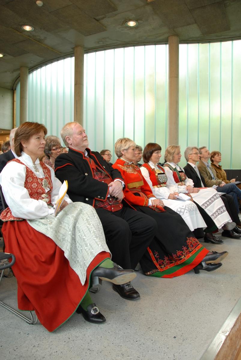 DOK:2007, Bjerkebæk, åpning, vertskap, gjester,