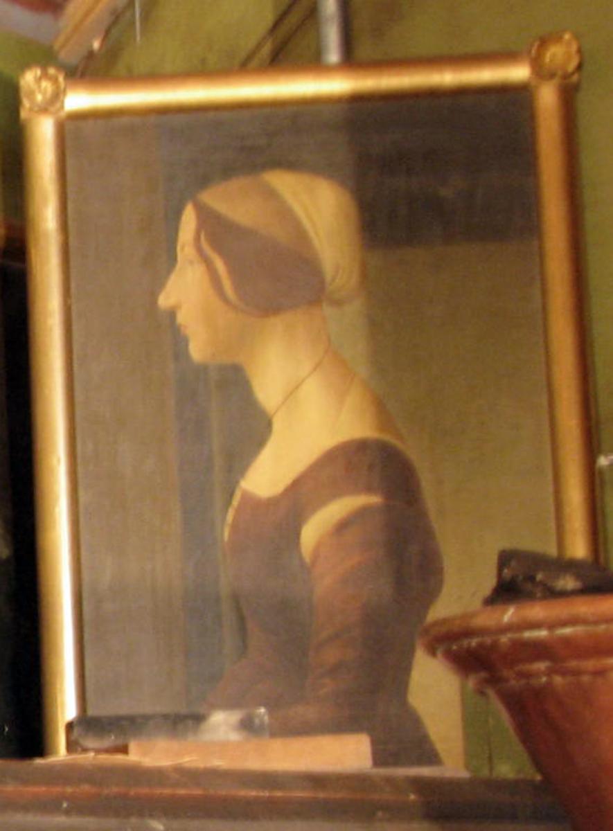 Rektangulært. Kvinne, halvfig., venstreprof., rødbrun kjole, brunt hår, lys kappe; i bakgr. åpn. m. himmel tilh.