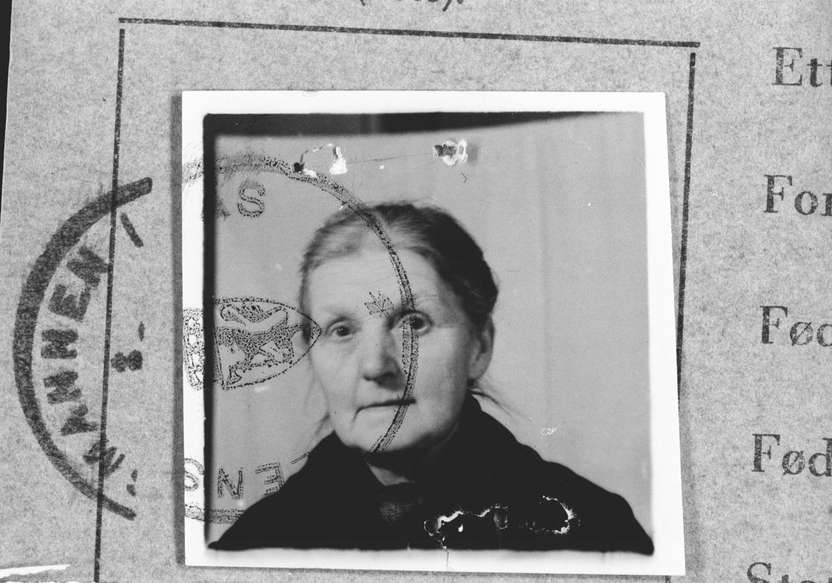 Anna Brekke.  Født 18/5-1867.