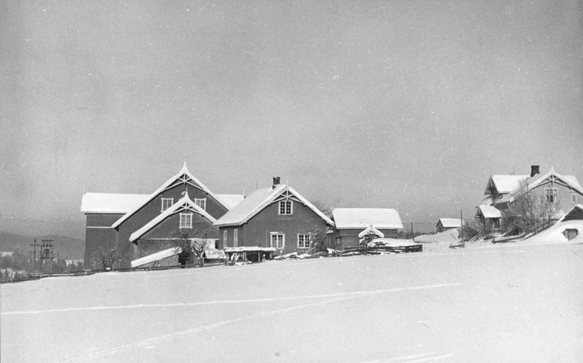 Oversiktbilde over Nystua Ramstad. Bebyggelsen sett fra syd.