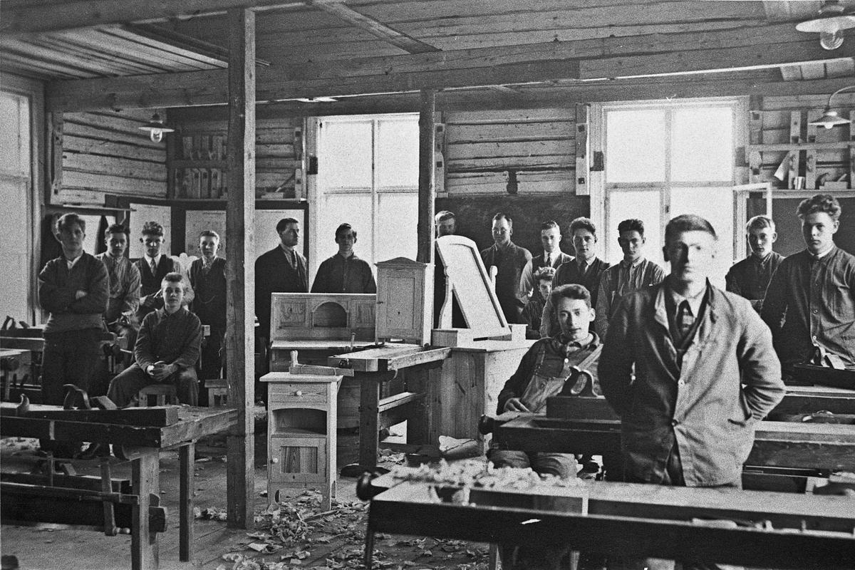 Eidsvoll Arbeidsskole på Holstangen.