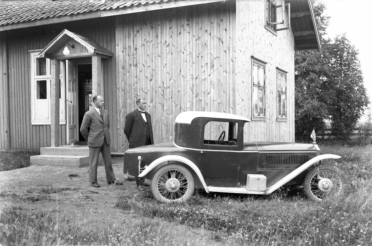 2-seters sportsbil. Bilen kan være en DKW løpsbil.