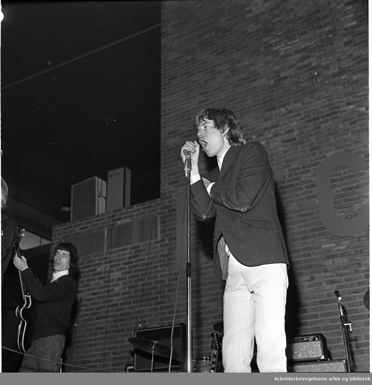 The Rolling Stones spiller på Sjølyst,.24. juni 1965..Mick Jagger.