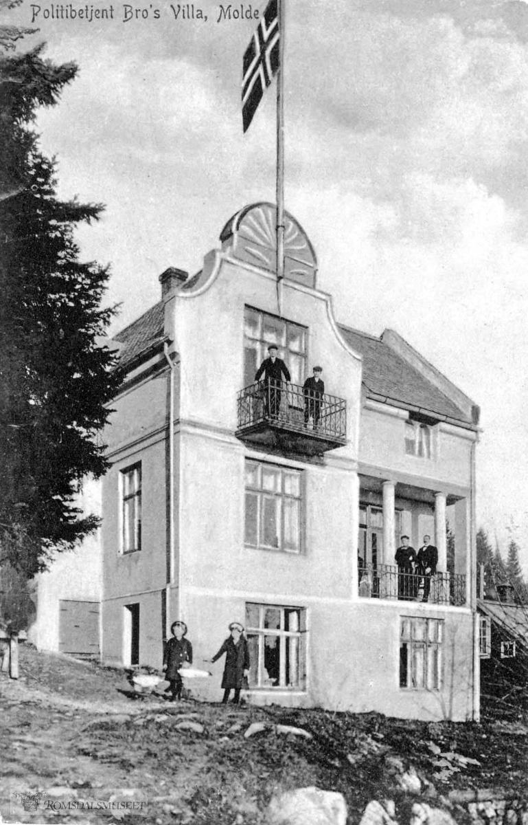 Politimester Bros villa også kalt Legangerhuset (Parkvegen 8) Et av di få hus i jugend stil i Molde. .- bygd 1907.- revet 1992