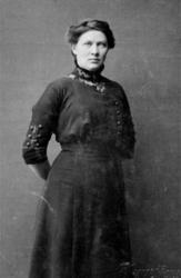 PORTRETT: HELENE PALERUD FØDT: HANSEN 1887, NYHEIM, RIDABU
