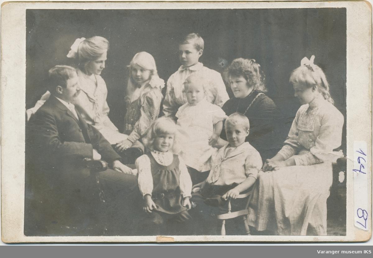 Adam Egede-Nissen med familie