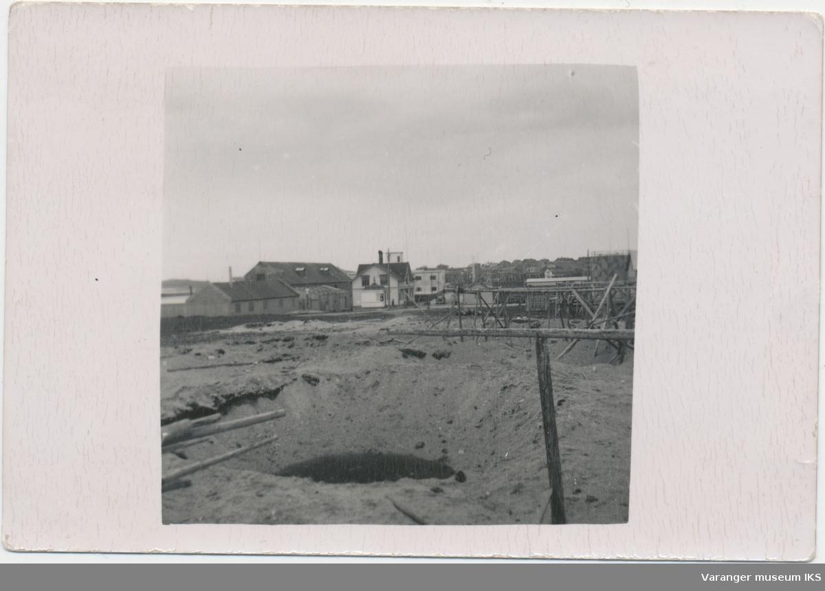 Bombekrater på øversiden av Dampskipskaia