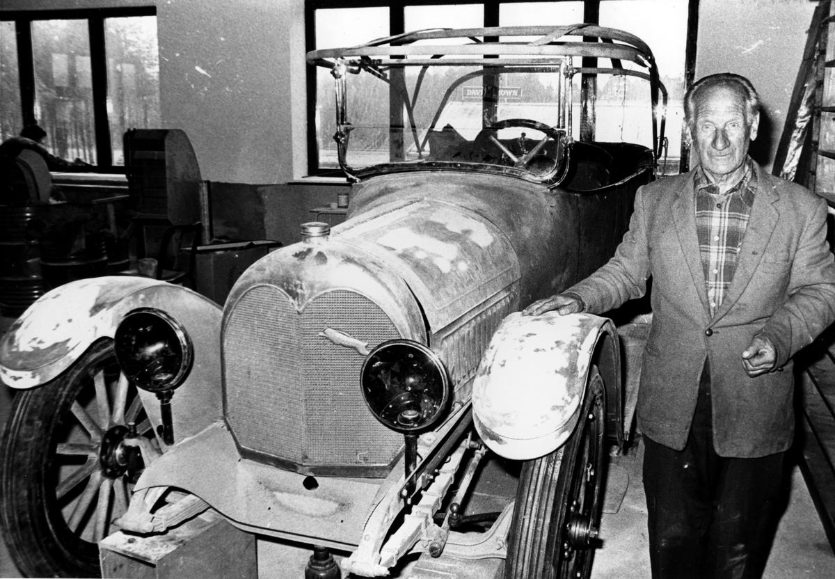 Gudbrand Moe med bil