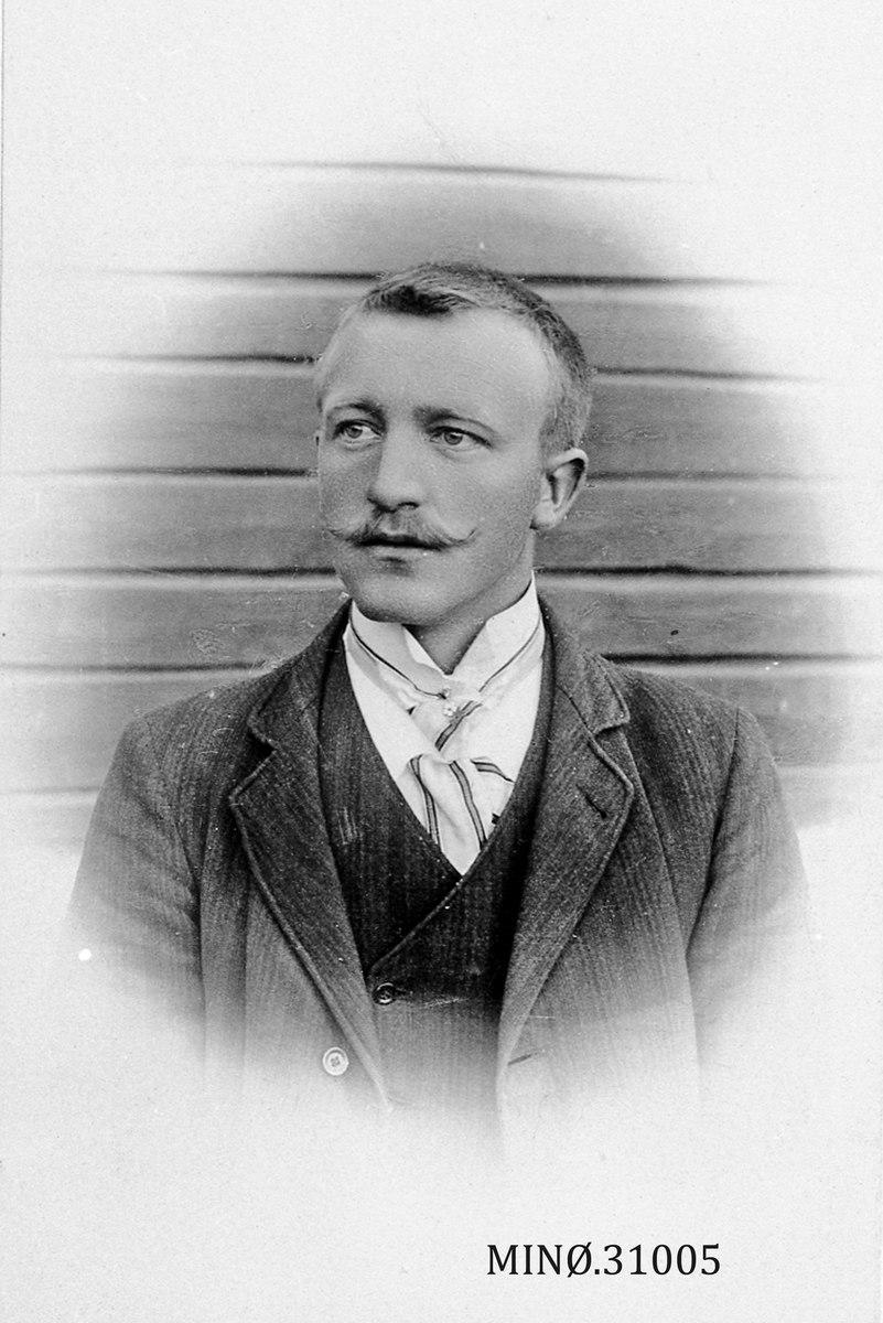 Portrett av ung mann - Johan Randen