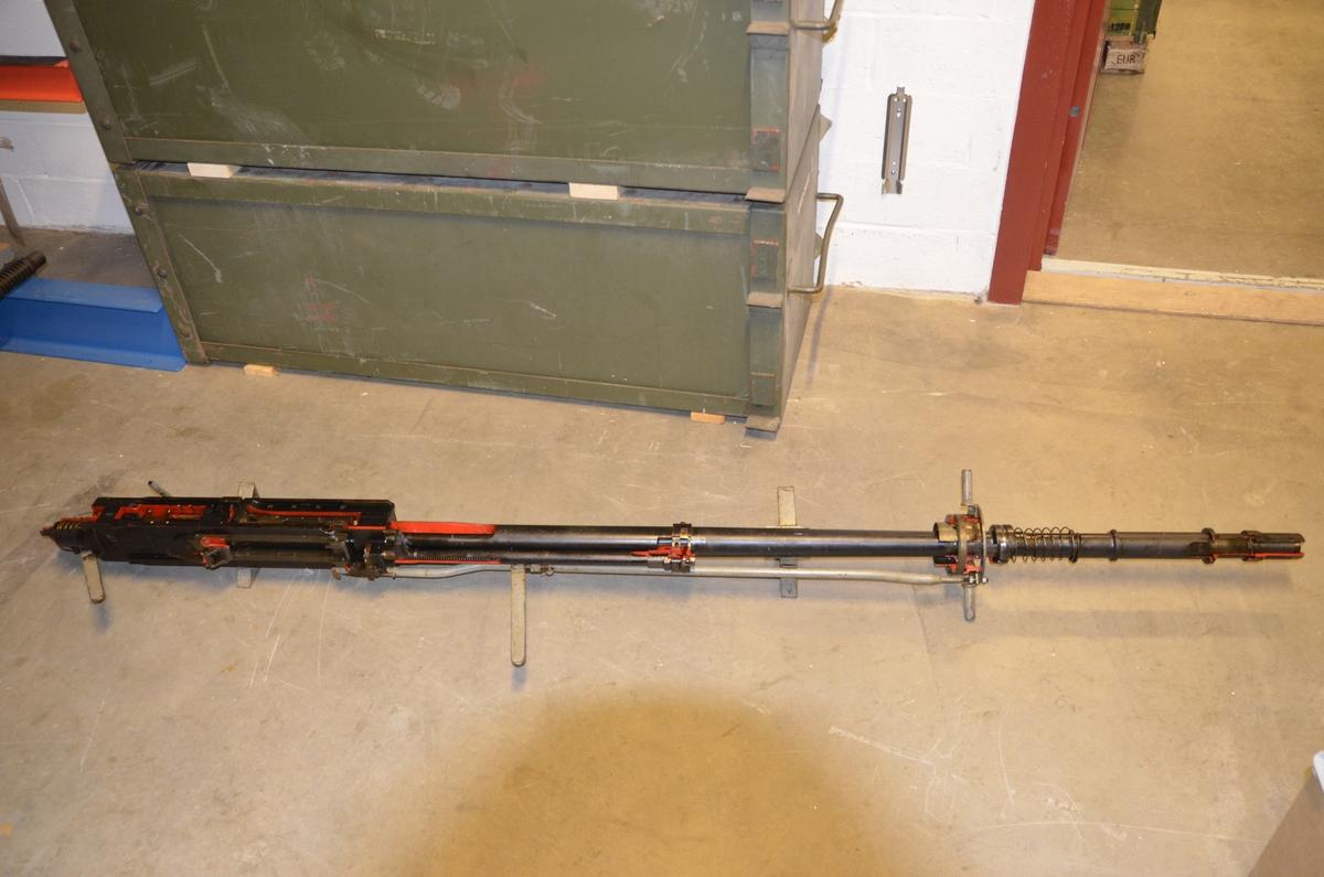 Akan 20mm Mod 46 MK II Instruktionsmodell. Instruktionsmodell-uppskuren