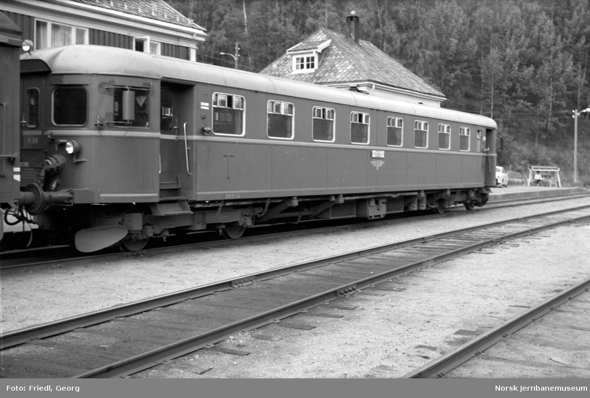 Motorvogn BM 91 04 på Rødberg stasjon