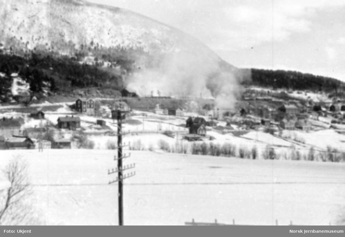 Dombås stasjon i brann etter bombing