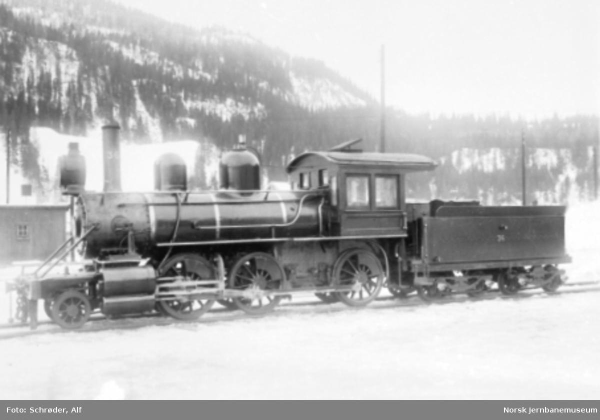 Rørosbanens damplokomotiv type XVIII nr. 36 fotografert på Støren stasjon