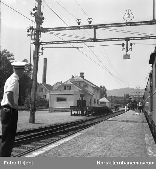 Ualand stasjon