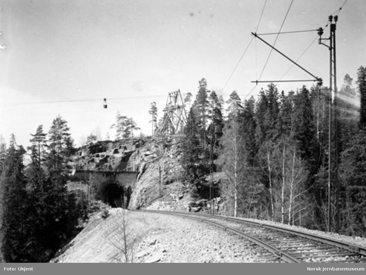 Drammenbanens elektrifisering : sporet mot Spikkestad tunnel II