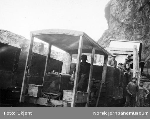 Motortralle ved pukkverket i Drangsdalen 1929