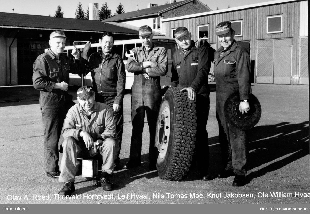 NSB Lågendalsruten : seks av verkstedarbeiderne
