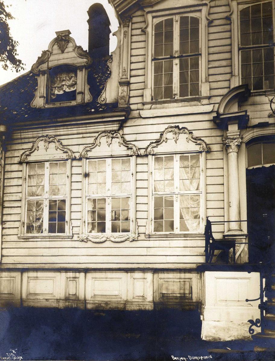 Damsgård hovedgård, Bergen, Hordaland. Fotografert 1912.