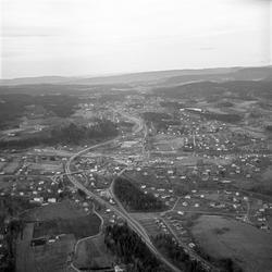 Serie. Drammensveien gjennom Asker i Akershus. Den nye motor