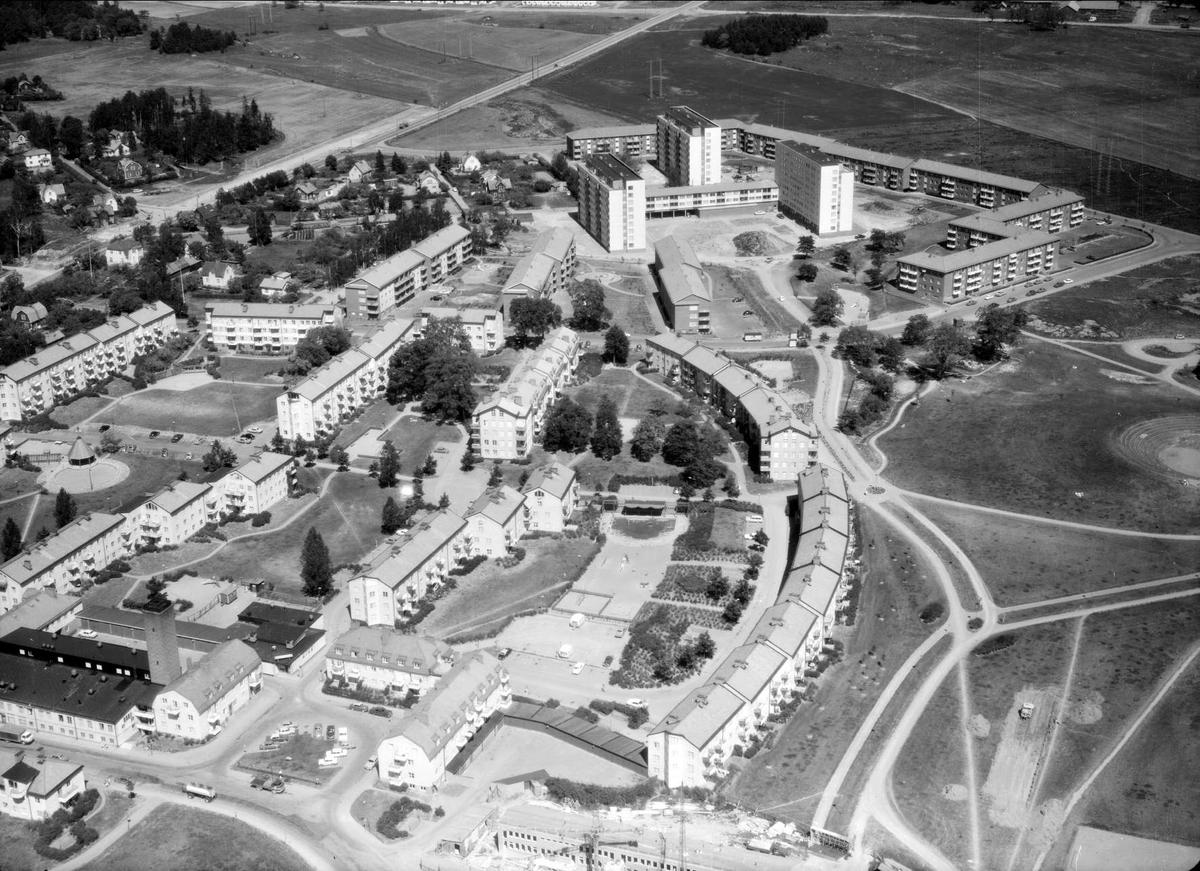 Flygfoto över stadsdelen Sala backe, Uppsala 1966