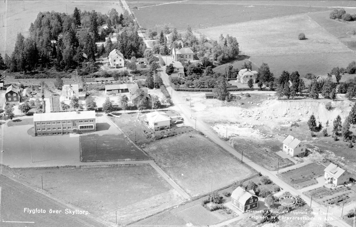 Flygfoto över Skyttorp, Tensta socken, Uppland 1952