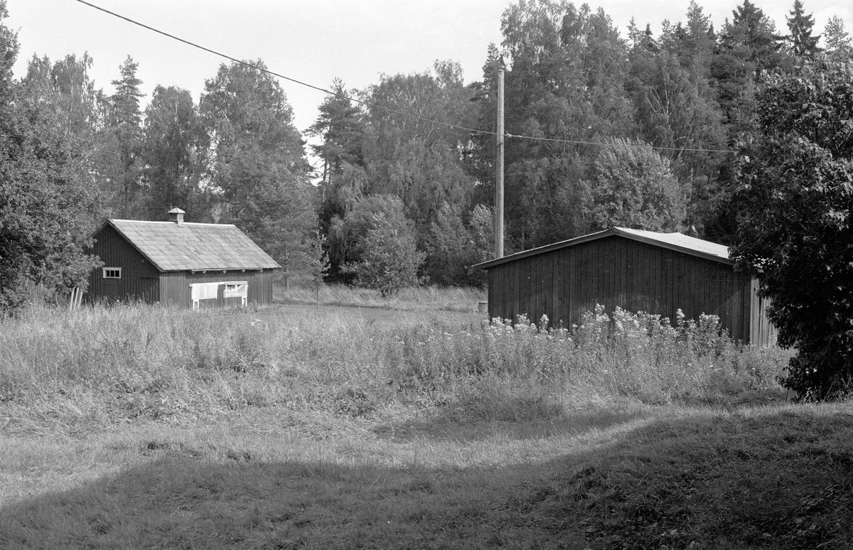 Uthus, Kiplingeberg 1:1 med flera fastigheter, Bälinge socken Uppland 1983