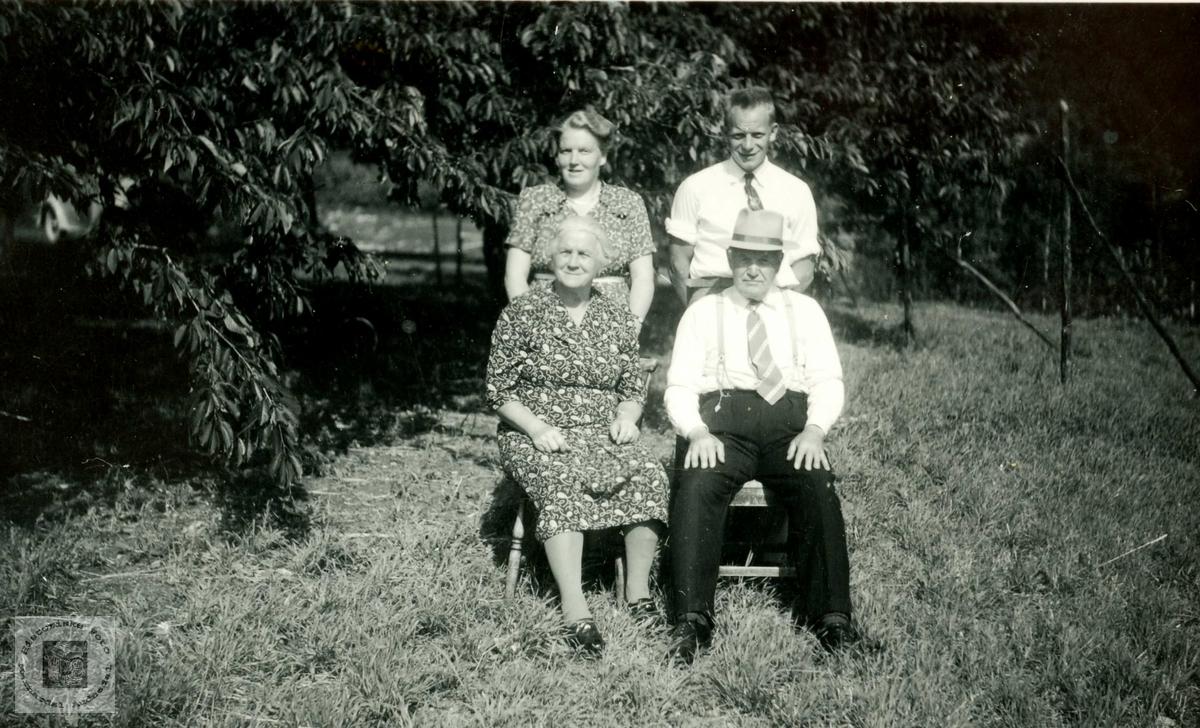 Familiebilde av familien Øydna. Grindheim.