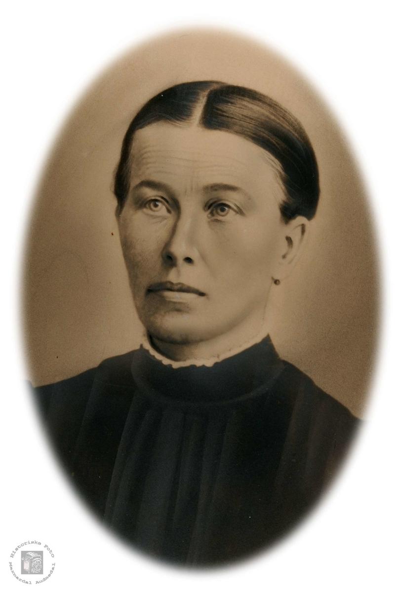 Portrett av Randi Dalan fra Bjelland gift til Grindheim..