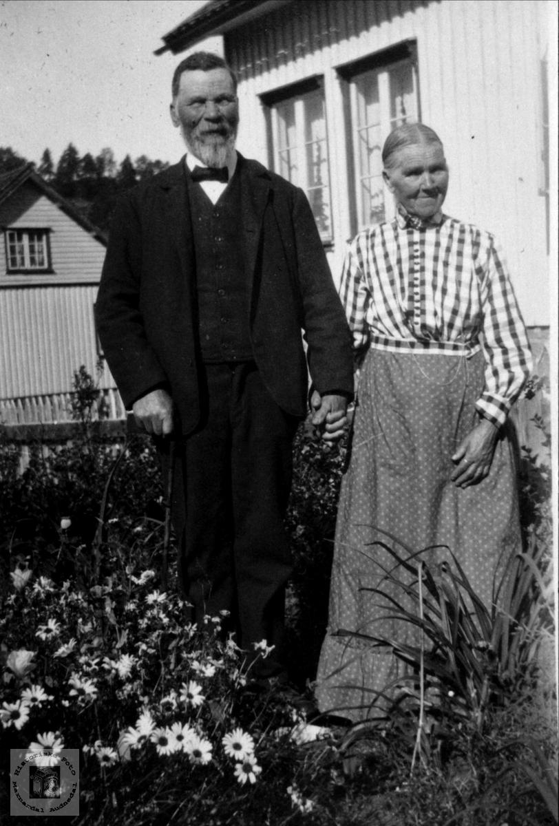 Søskenbilde Bent og Gurine Usland, Øyslebø.