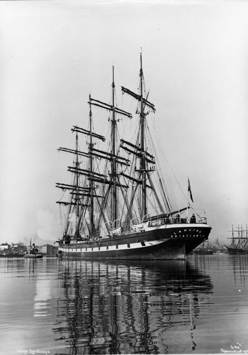 "Lancing (b. 1866, R. Napier & Sons, Glasgow), 4-mastet skip, Norges største, 409"" lang, 44"" bred, 2546 tonns"