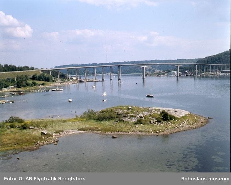 """Enligt AB Flygtrafik Bengtsfors: """"Rotviksbro Nötesundsbron Bohuslän"""".   ::"""
