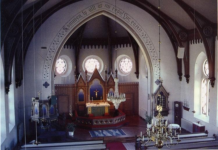 """Tryckt text på bilden: """"Fjällbacka kyrka"""".  ::"""