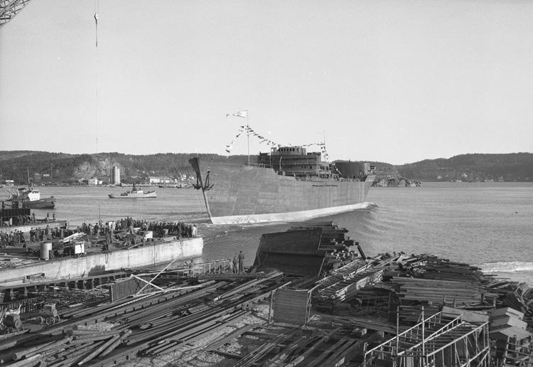 Sjösättning av fartyget 132 M/T Thorsholm.