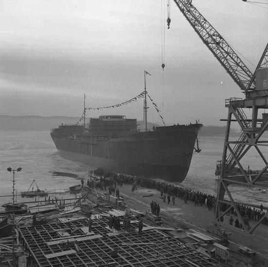 Dop och sjösättning av 159 M/T Ragna Gorthon.