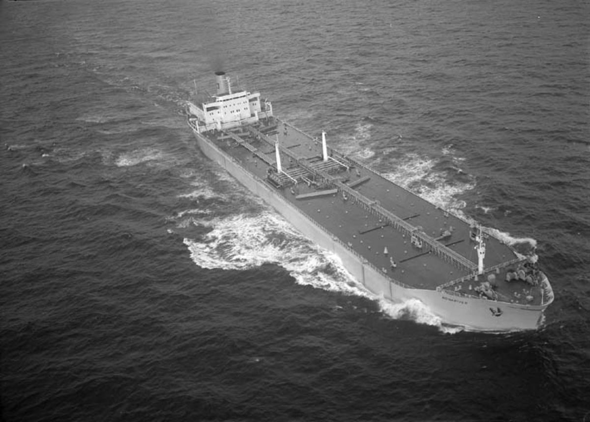 M/T Ronariver DWT. 96.340 Rederi Skibs A/S Agnes (E. Saanum), Mandal Kölsträckning 70-05-29 Nr. 235 Leverans 71-02-14 Tankfartyg