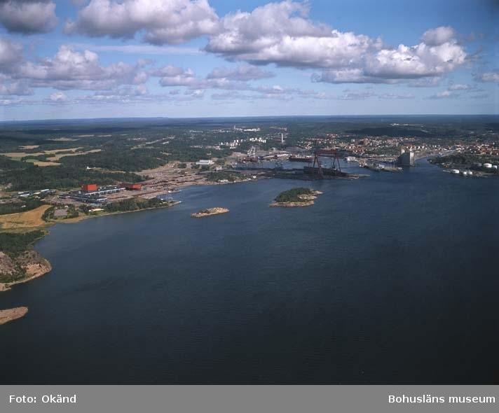 Översiktsvy över varvsområden och hamnen.