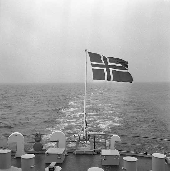 Provtur med fartyg 263 M/T Norse Mountain. Den norska flaggan är hissad.