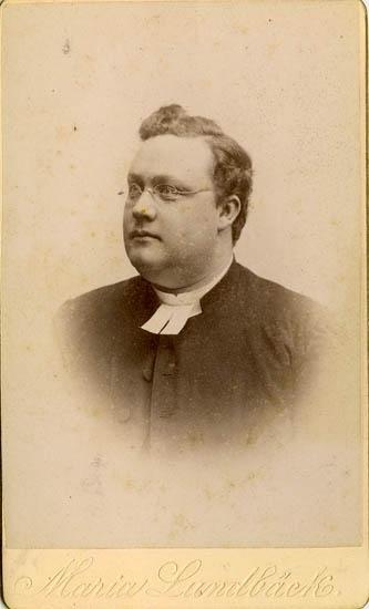 "Text på kortets baksida: ""Carl Theodor Ljunggren, f. 1852 d. 1921""."