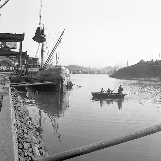 """Enligt notering: """"Drunkningsolycka i U-a hamn 19-4-55""""."""