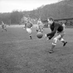 Fotbollsmatch troligen mellan IK Svane och IFK Uddevalla